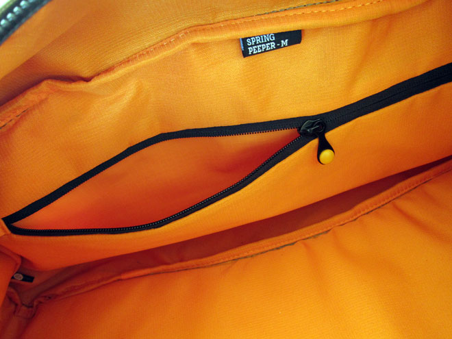 Bag review crumpler smallpeeper 8
