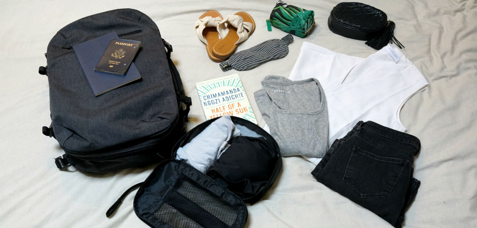 How-&-What-to-Put-in-your-Minimalist-Travel-Capsule-Wardrobe
